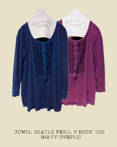 JEWEL BEATLE FRILL U NECK TEE(NAVY/WINE)